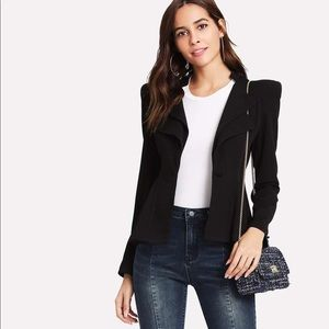 Structured Shoulder Layered Collar Peplum Blazer